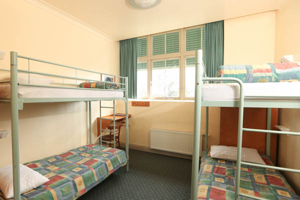 blue mountains yha school camps and school excursions. Black Bedroom Furniture Sets. Home Design Ideas