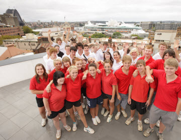 YHA Australia image of students on School Excursion
